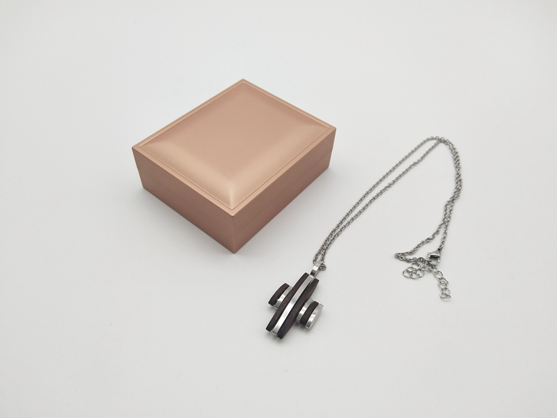 ZTB-041B Paint Jewelry Box LED Light Pendant Box for Proposal Engagement Wedding Business Gift Necklace Box