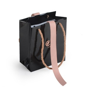 ZD-022 black color paper jewelry bag with handle and ribbon