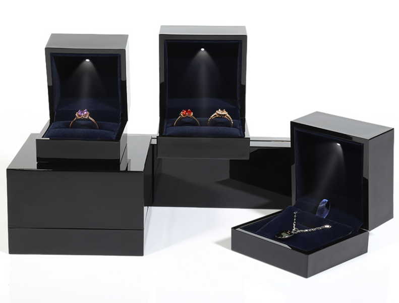 ZTB-070 Black color piano lacquer painted plastic LED light up jewelry gift box for wedding