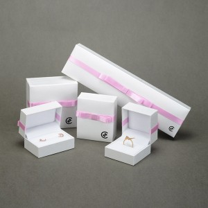 JH-005  plastic jewelry box with ribbon good as gift box