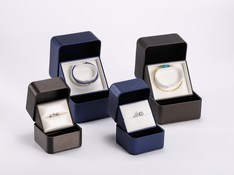 ZTB-115 Elegant plastic jewelry gift box covered by PU -new and patented design for 2020