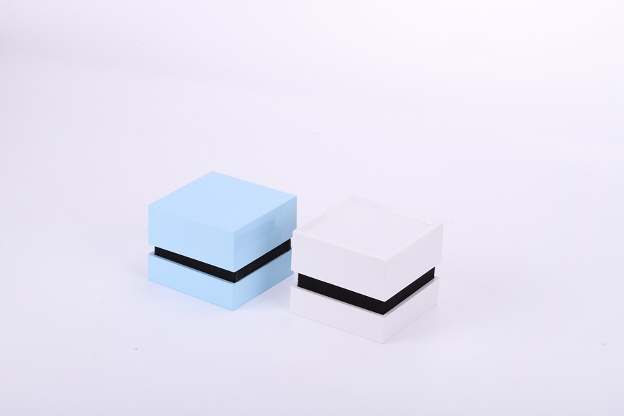ZTB-092 new design highlight painted jewelry display box with LED lights for ring and pendant